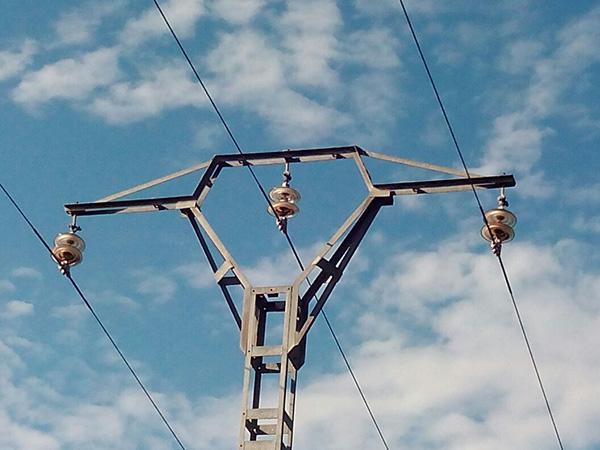 Inspección en torre eléctrica mediante Drone