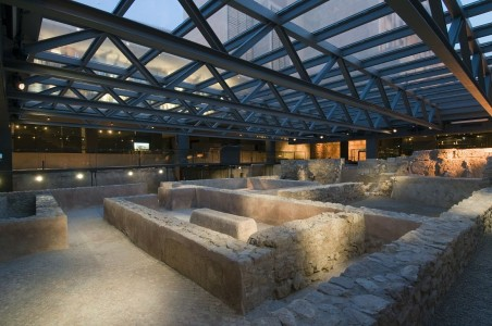 Ruta arqueologica por Valencia plaza almoina